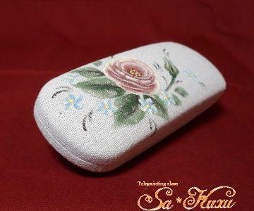 ピンク薔薇のメガネケース(布貼)tetoteに出品しました