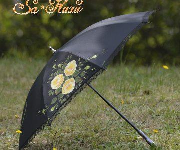 黄薔薇の日傘(黒)minneに出品しています