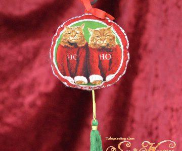 セーター猫のクリスマス飾りminneに出品しています