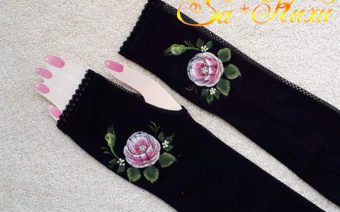 ピンク薔薇の日よけアームカバー(黒)minneに出品しました