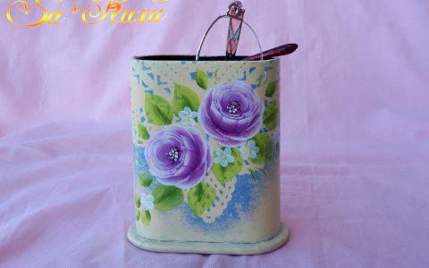 紫薔薇のメガネスタンド・アイボリーminneに出品しています