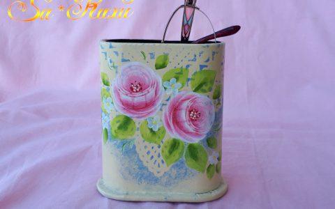 ピンク薔薇のメガネスタンド・アイボリーminneに出品しています