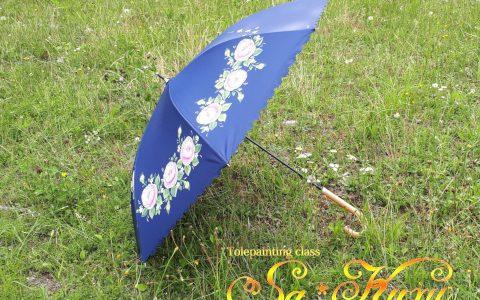 ピンク薔薇の日傘(紺)minneに出品しています