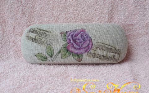 紫薔薇のメガネケース(リネン風布貼)minneに出品しました