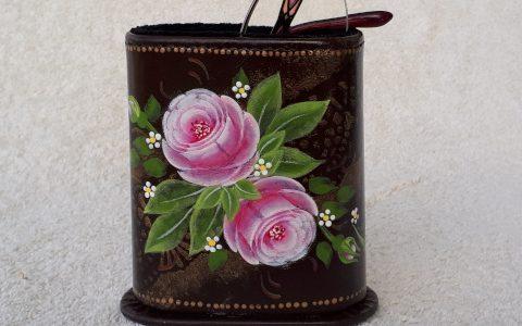ピンク薔薇のメガネスタンド(茶)minneに出品しました