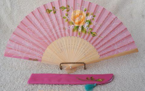 黄薔薇の布扇子(ピンク、ステッチ模様)minneに出品しています