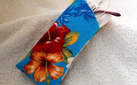 ハイビスカスの布メガネケース(青)minneに出品しました